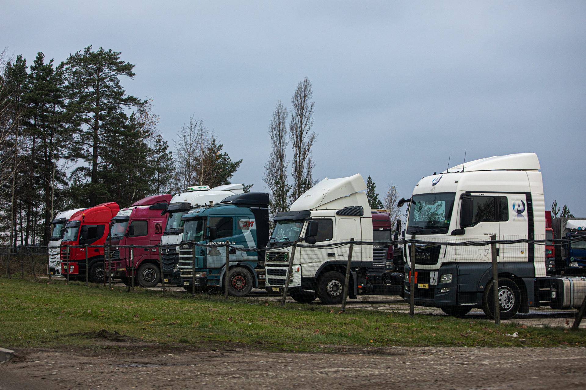 Statistika: per metus importas smuktelėjo 5% - Verslo žinios