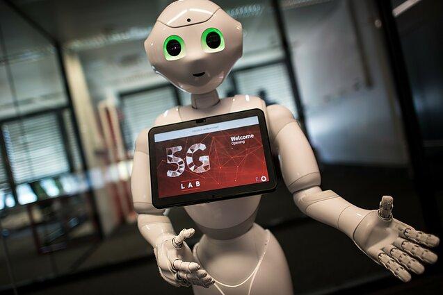 robotas prie dvejetainių parinkčių