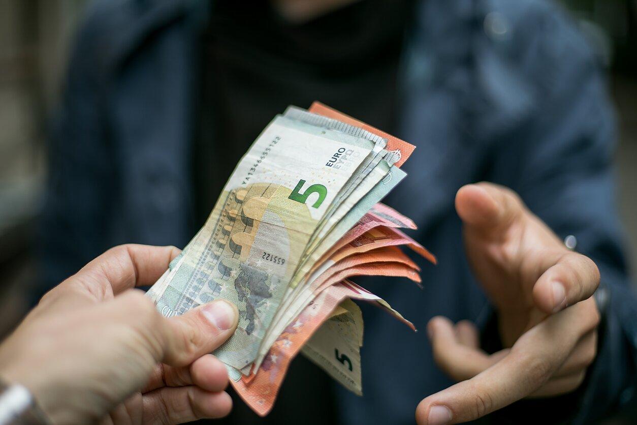 akcijų grąžos nuspėjamumas prekybai ne pinigais afl prekybos sistema
