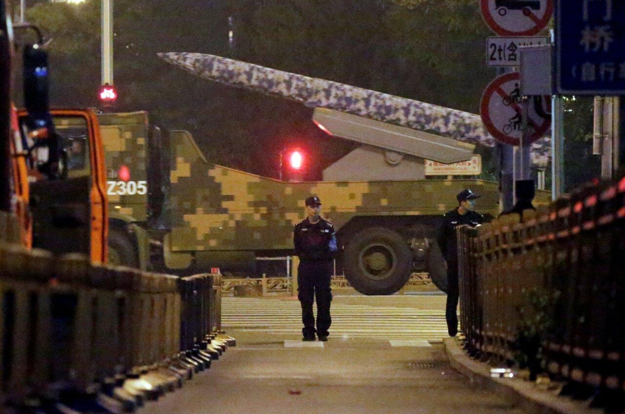 Kinija parodys tokią ginkluotę, apie kurią buvo žinoma tik iš gandų - DELFI
