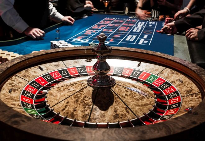 darbas kazino)