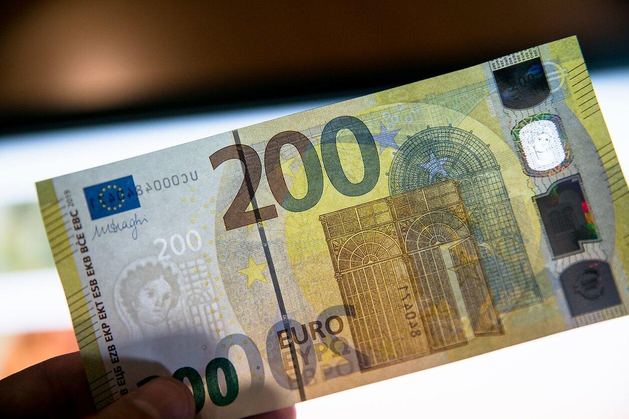 kas yra geriausia cento valiuta investuoti)